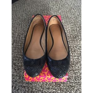 Tory Burch black quilted flats